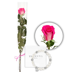 Pink rose with 'Ti Sento' bracelet